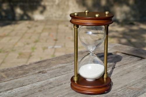 hourglass-2846643_960_720